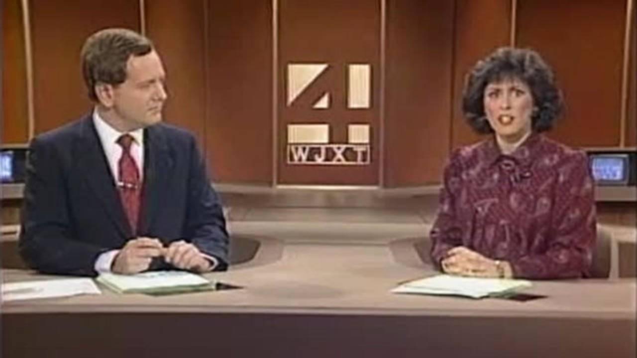 Tom Wills and Deborah Gianoulis anchor Jan. 28, 1986 newscast