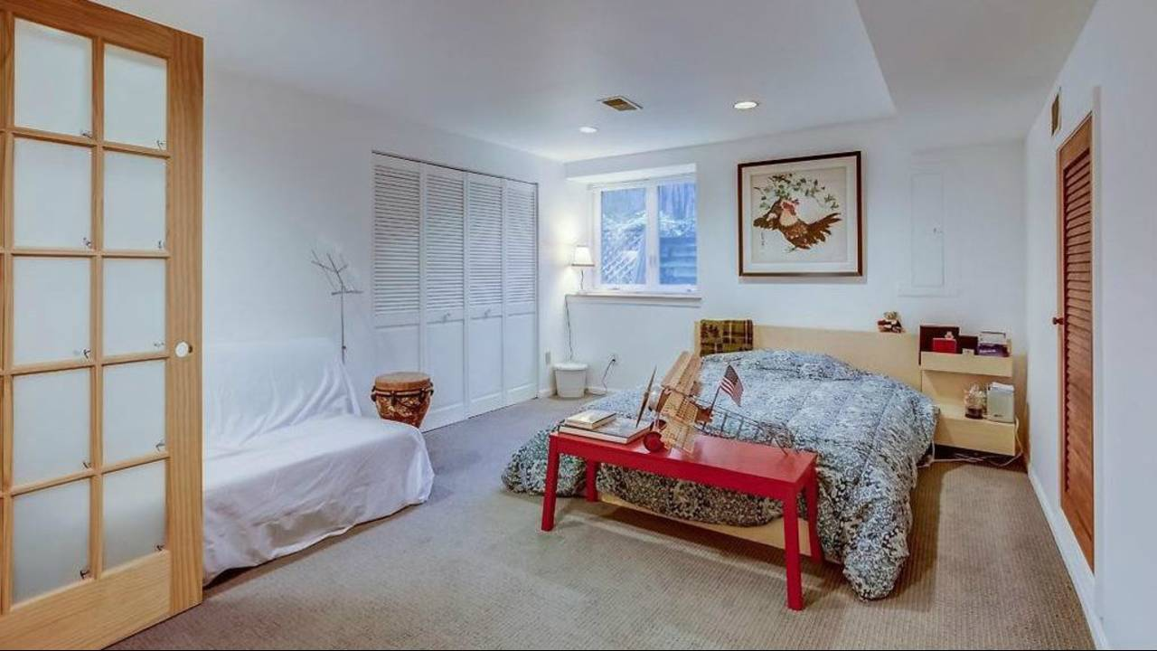 1906 Old Orchard Ct lower level bedroom