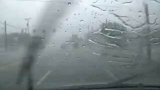 What to do -- and what not to do -- when driving in the rain