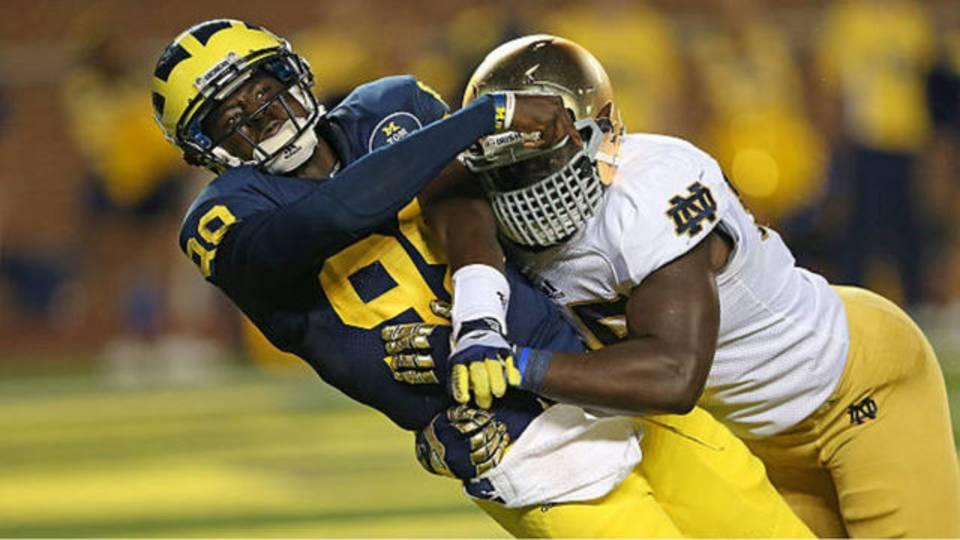 Devin Gardner Michigan football takes sack vs Notre Dame 2013