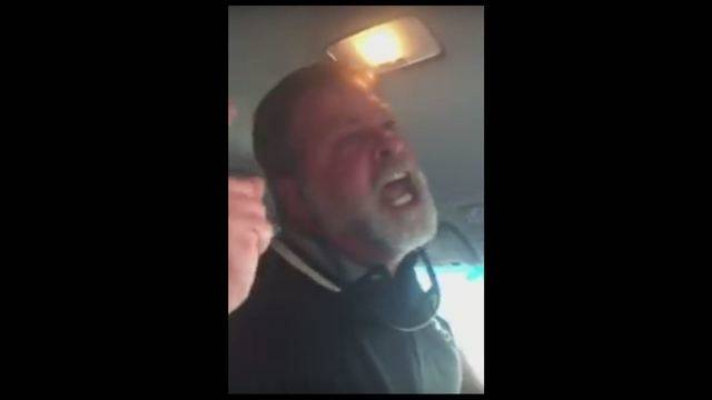 uber driver screams at passenger who won t get out of his car