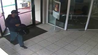 Robber jumps over counter to take cash at Citibank branch in Coconut Creek