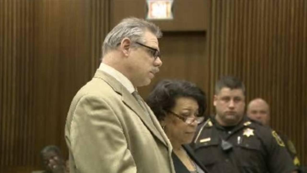 Joe Gentz pleads guilty_17869810