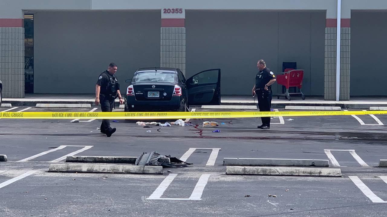 Car crash after Aventura stabbing_1561907655839.jpg.jpg