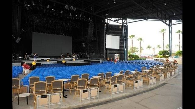 West Palm Beach Fla Cruzan Amphitheatre Is Hosting A Job Fair To Find New Employees Work Live Shows For The Upcoming Season
