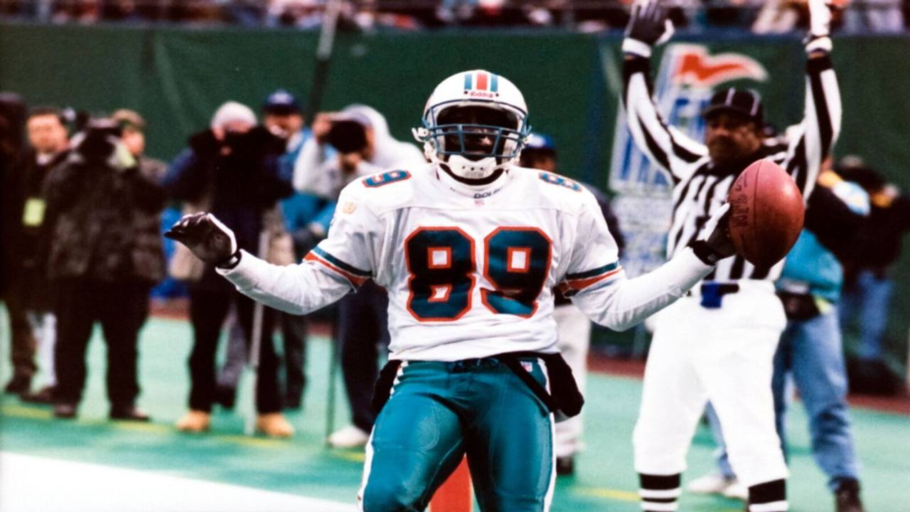 Randal Hill celebrates after touchdown in 1996