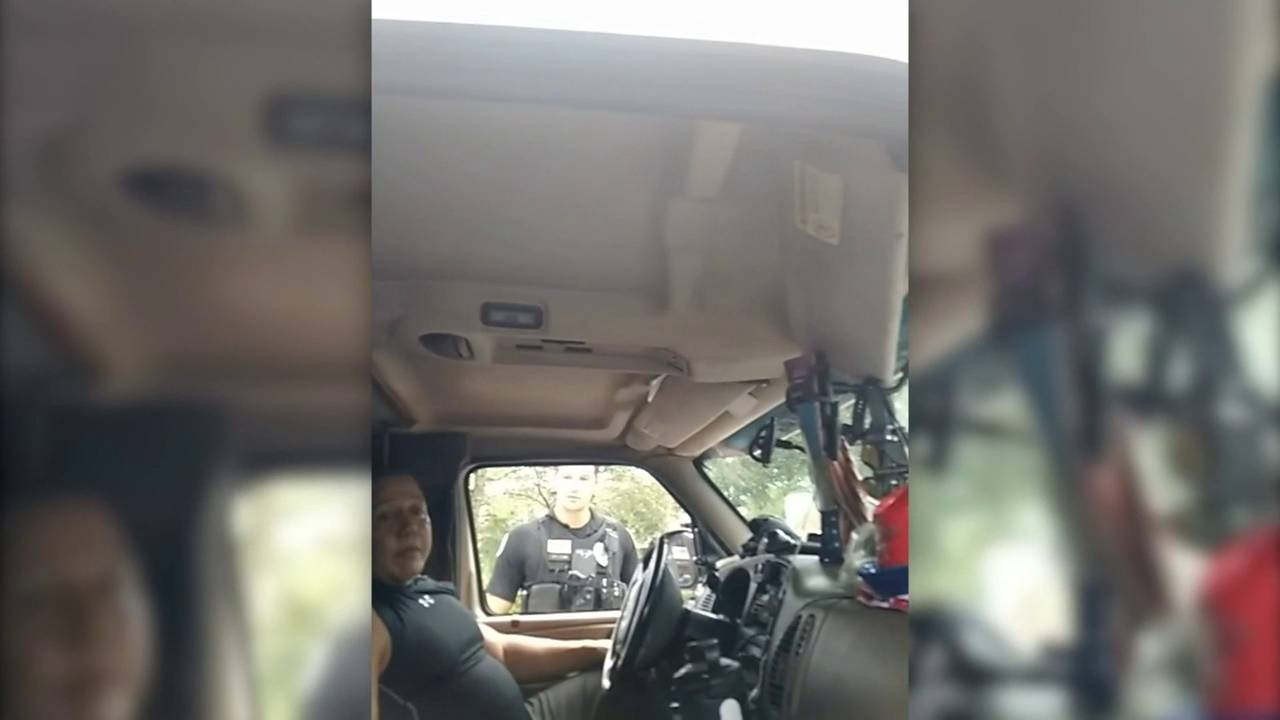 Boca Raton officers confront Cesar Sayoc while sleeping in van