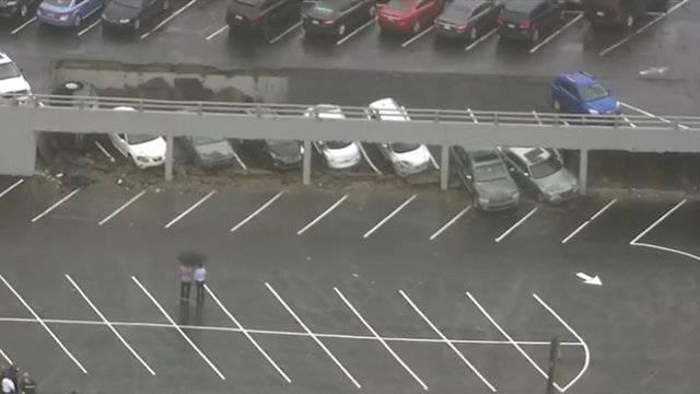 Detroit parking deck collapse 1