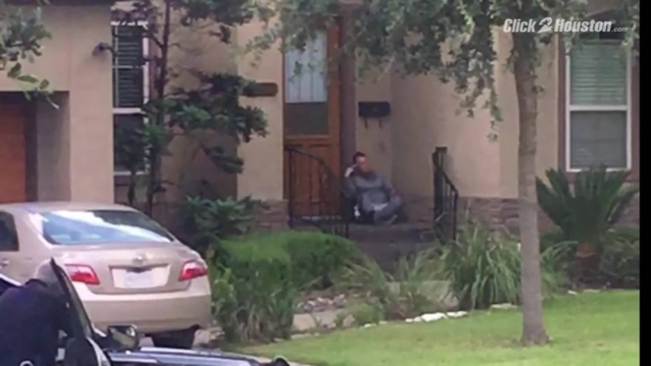 Cellphone video of man in standoff with police20180810205933.jpg
