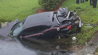 No injuries after car goes into canal, Plantation police say
