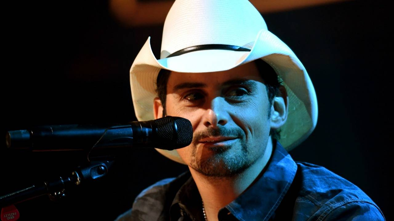 1280_brad_paisley_GettyImages-622568918_20170603233011750-75042528