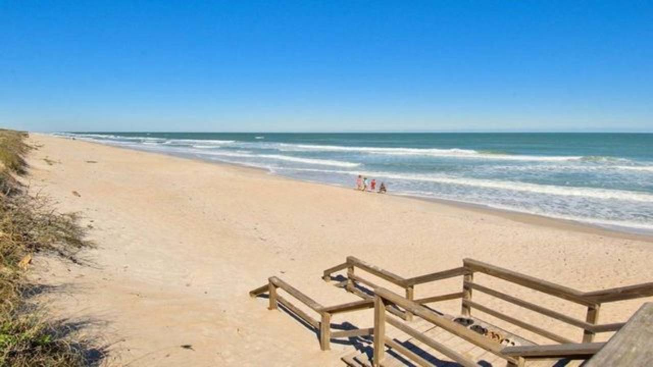 Playalinda-Beach---Canaveral-National-Seashore--Beach-Entrance_2f4cfec9-ace5-52b4-bc05e427b6fb13a7_1548965691430.jpg