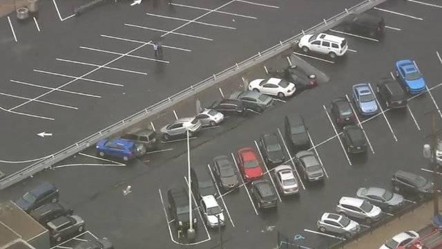 Detroit parking deck collapse 4
