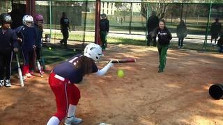 JU kicks off softball season with free clinic