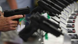 Lawmakers return to Washington amid calls for gun control