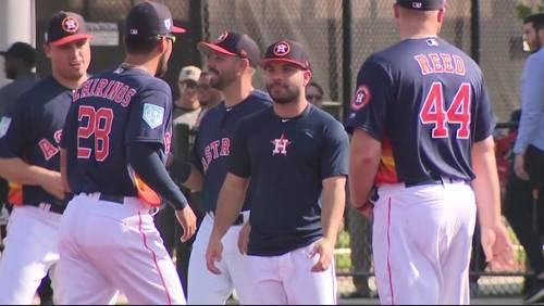 Astros enjoying first full squad day; Altuve healthy once again