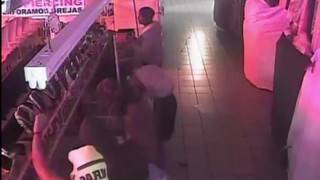 Brazen burglars target the Swap Shop, Lauderhill Mall