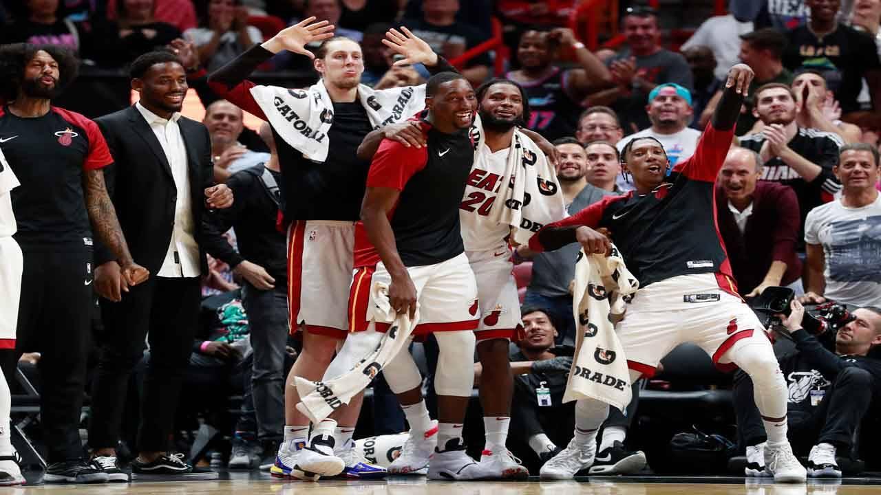 Miami Heat players celebrate win over Detroit Pistons