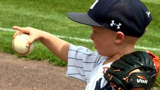 ADORABLE VIDEO: Boy belts out national anthem at baseball game