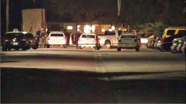 Man shot at canterbury gardens apartments for Canterbury gardens jacksonville fl