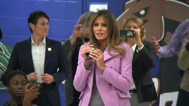Melania Trump in Michigan_1508774313236.jpg