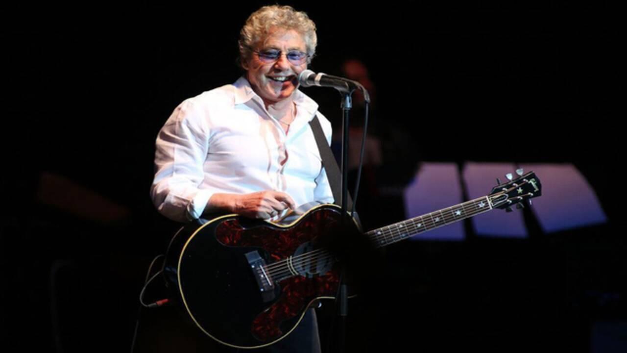 Roger Daltrey plays guitar at Seminole Hard Rock