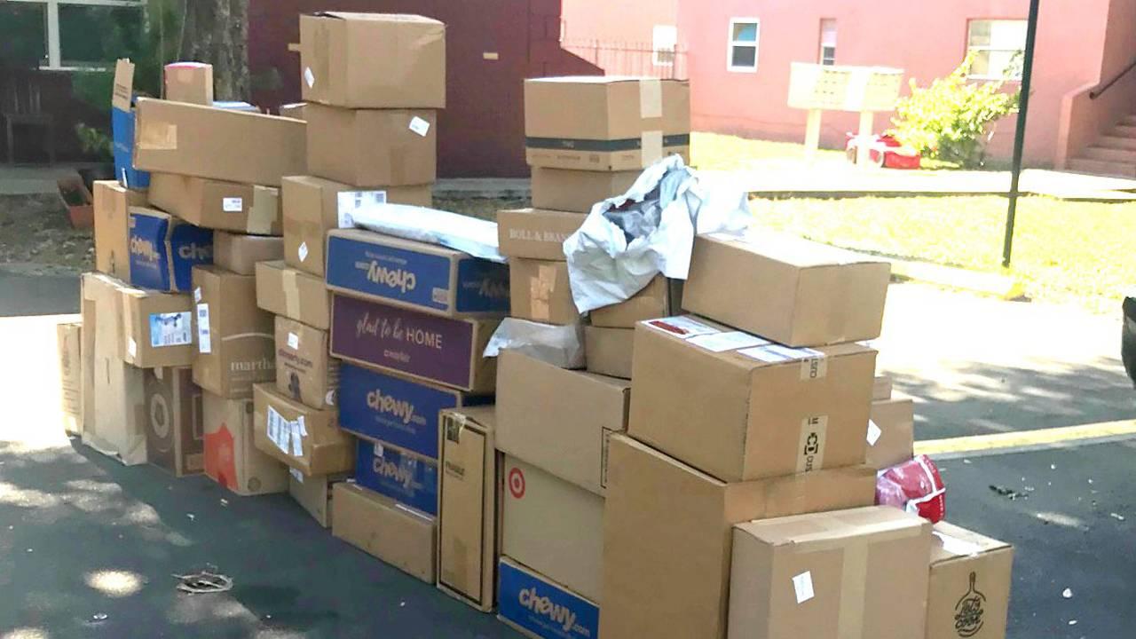 Delray Beach FedEx truck stolen