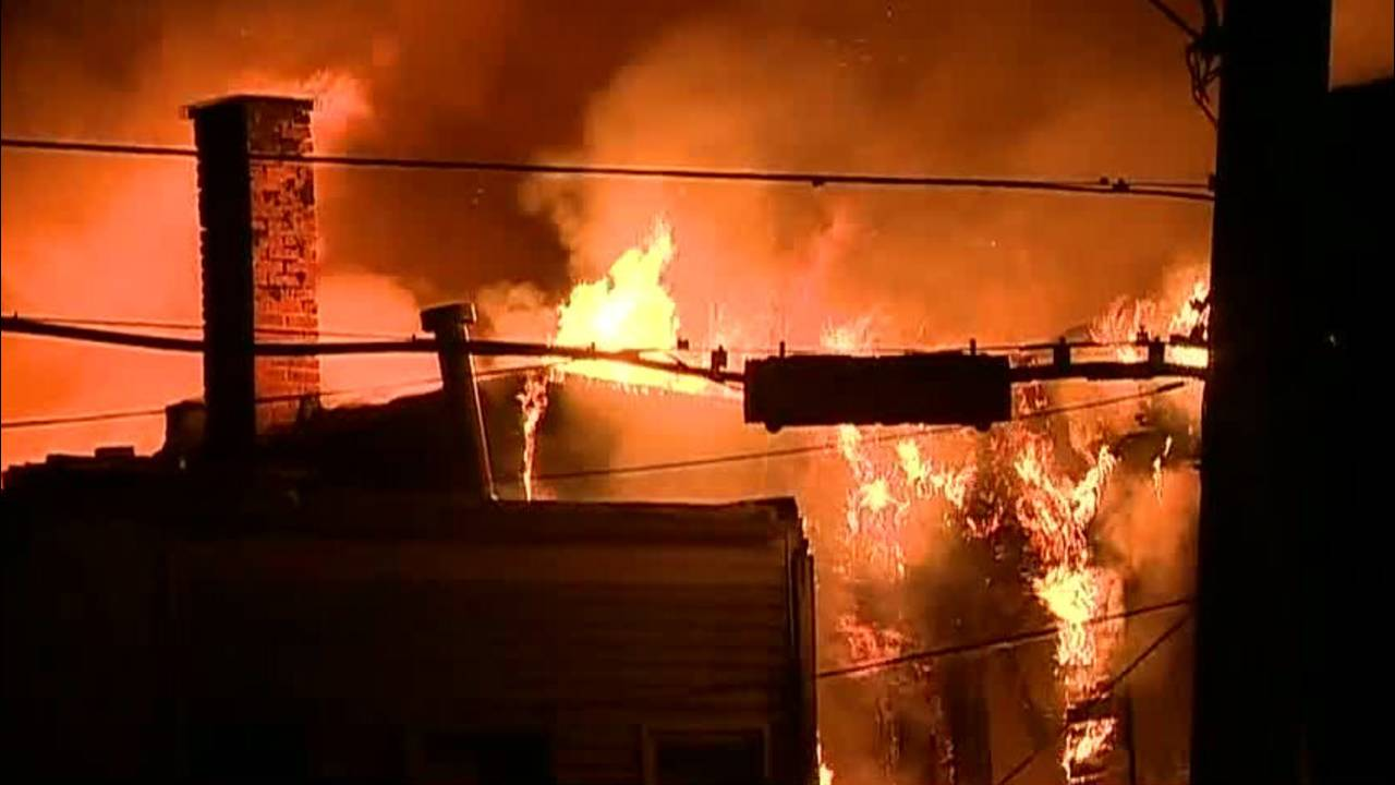 Southwest Detroit fire collapse threat