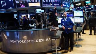 Dow plunges 724 points as trade war fears rock Wall Street