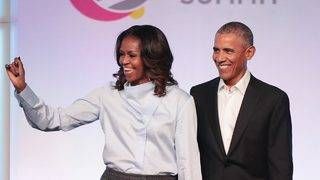 Barack and Michelle Obama Bust Out Adorably Cheesy Dance Moves On Her&hellip&#x3b;