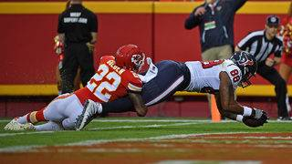 Weeden's TD tosses help Texans topple Chiefs 17-10 in preseason opener