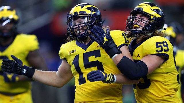 Chase Winovich and Noah Furbush Michigan football vs Florida 2017