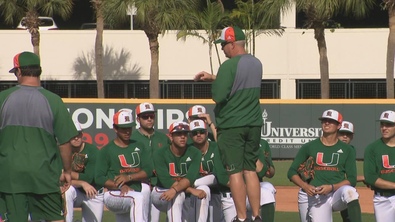 Gino DiMare speaks to Miami Hurricanes during practice before 2019 season