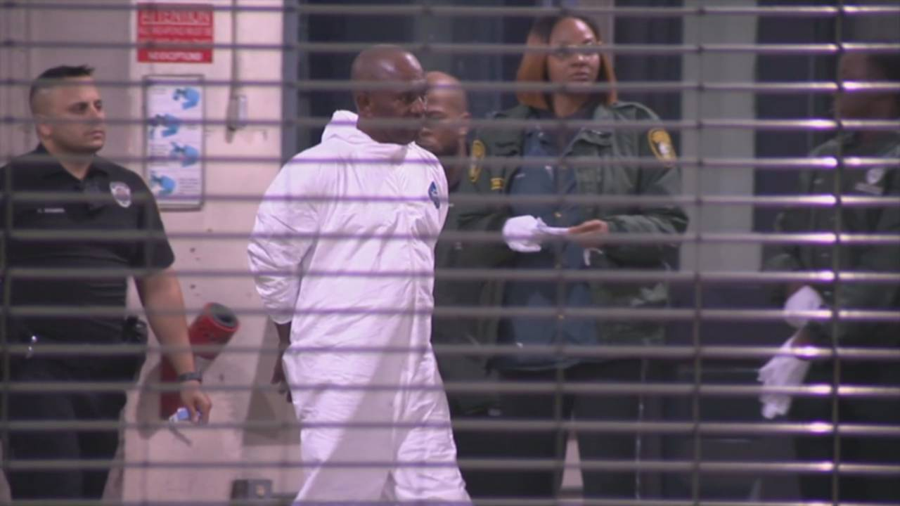Noel Chambers arrives at jail