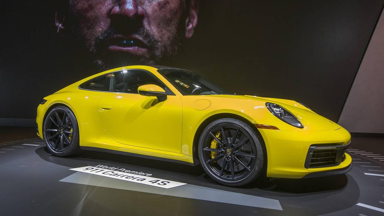 Porsche 911 Carrera 4S88697066-75042528