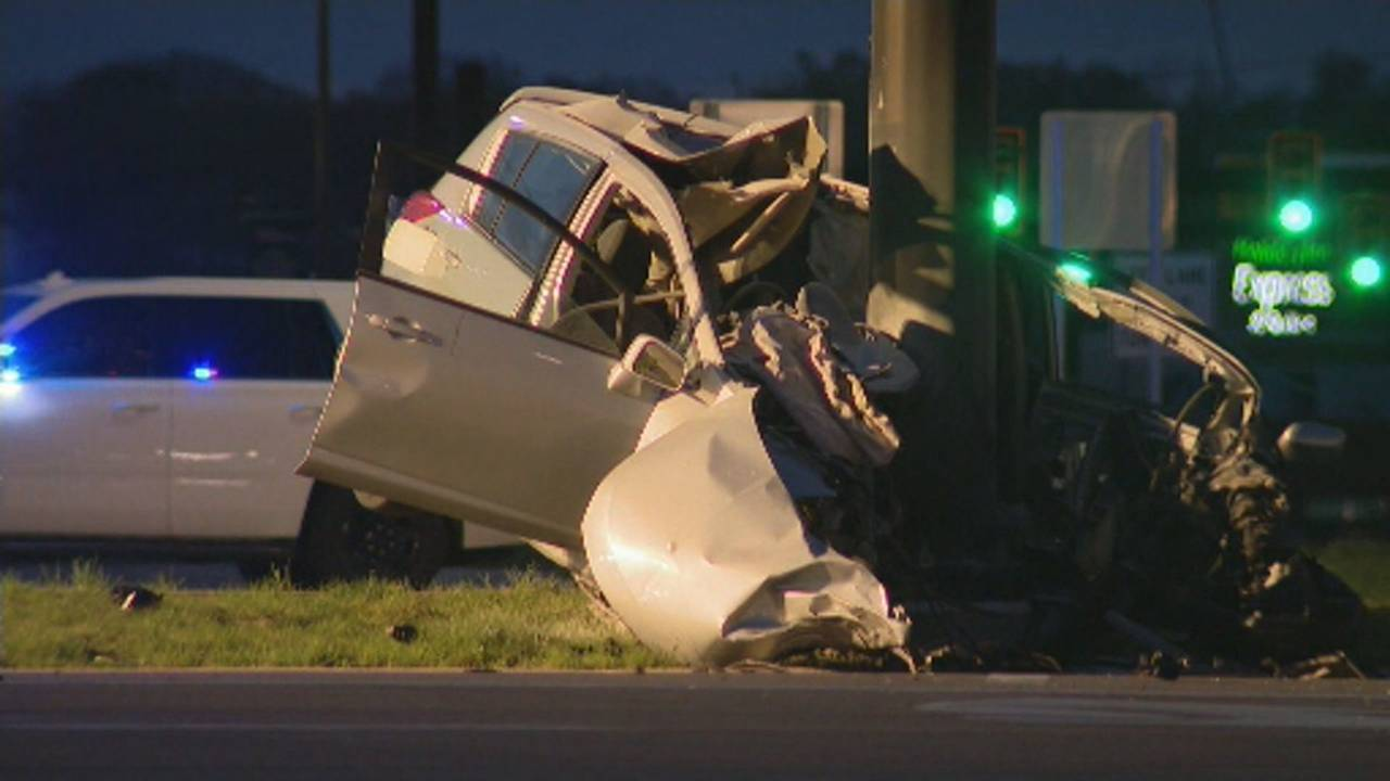 SUV smashes into pole West Bloomfield 3