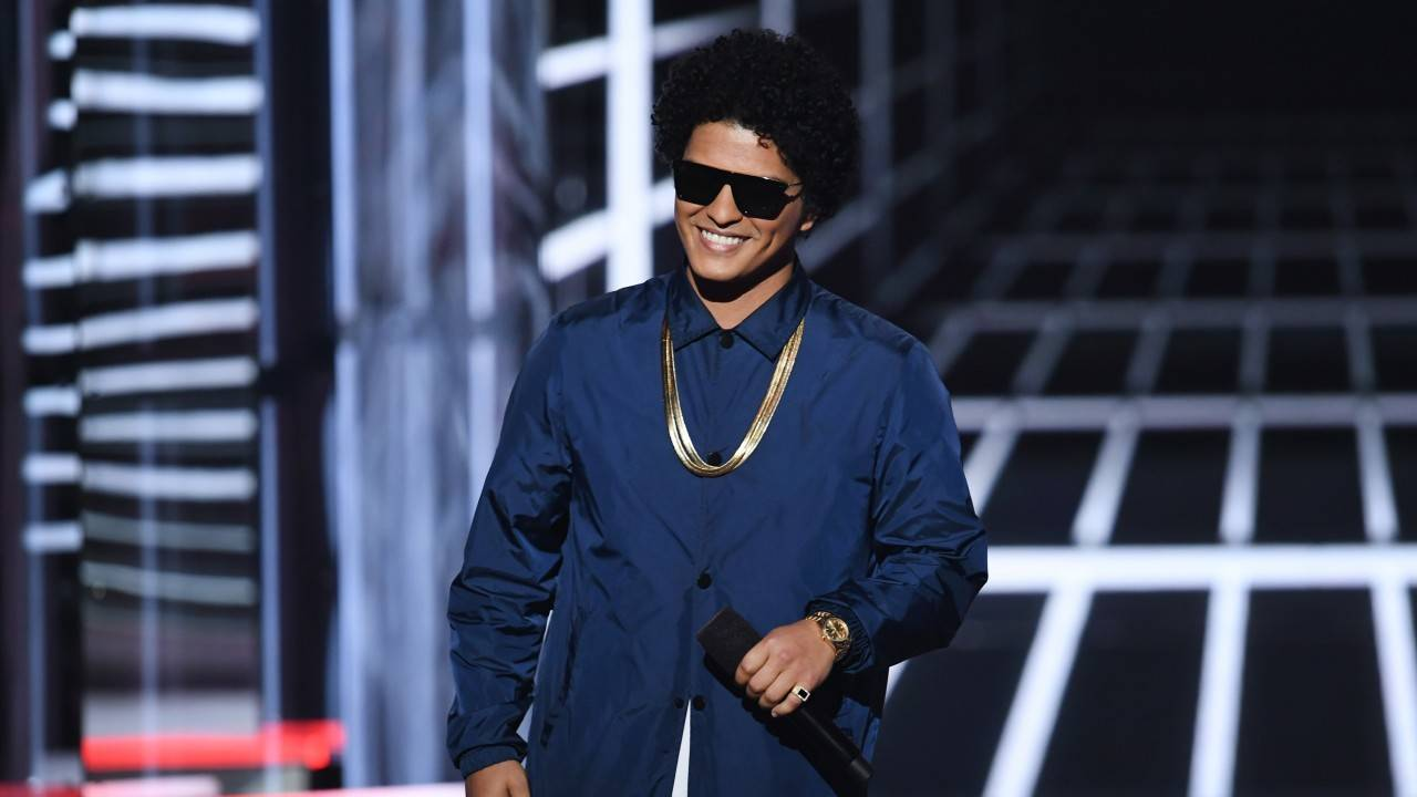 bruno_mars_gettyimages-960684910_20180710222303442-75042528