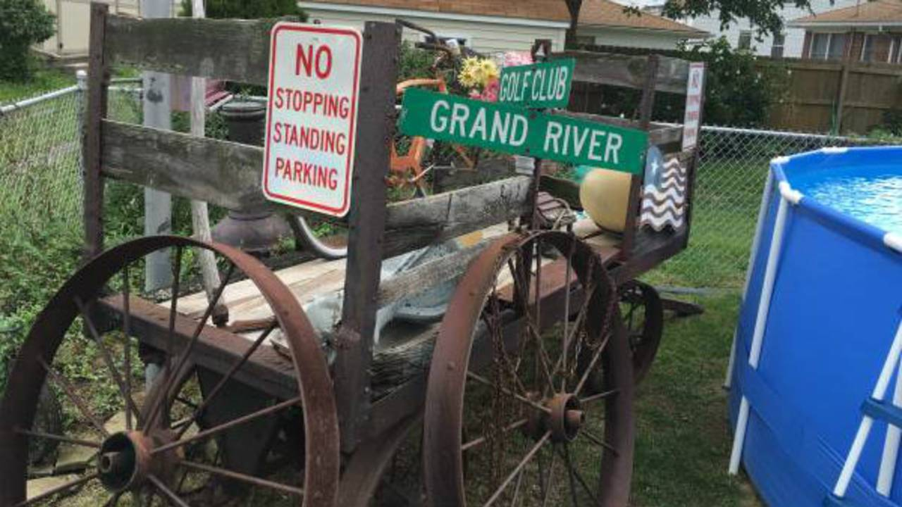 6 crazy things for sale on Detroit Craigslist