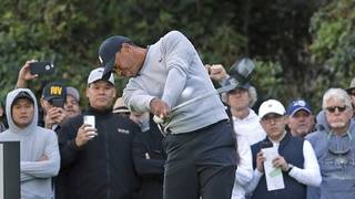 Up and down day for Tiger in his return to Riviera