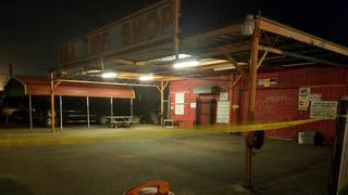 Mechanic stabbed in neck during argument at Galveston tire shop