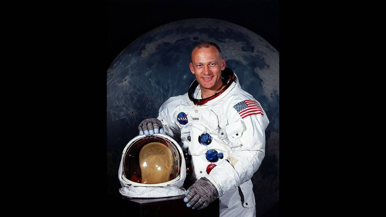 OTD January 20 - Buzz Aldrin_2378495624524667-75042528