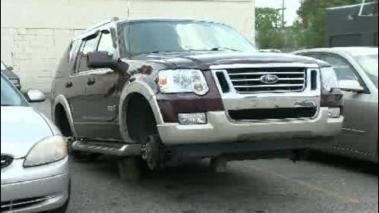 Pastor Dwayne Houston's SUV tires and rims stolen_15525350