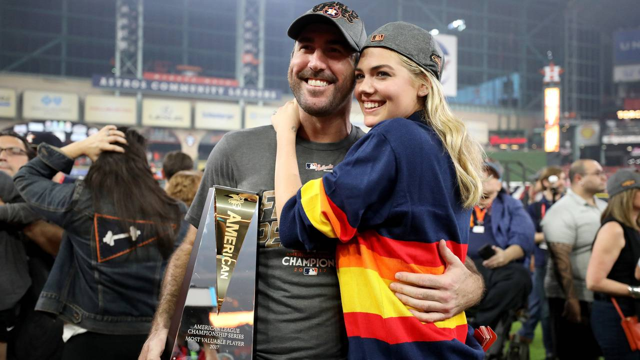 fa397c67e Kate Upton wears hard-to-find Astros sweater to ALCS Game 7