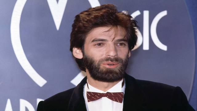 Kenny Loggins in January 1983