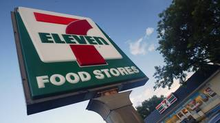 Immigration agents raid South Florida 7-Eleven stores