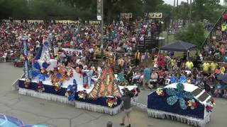 Great weather greets crowd at Battle of Flowers Parade