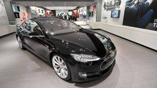 Tesla's black paint just got $1,000 more expensive