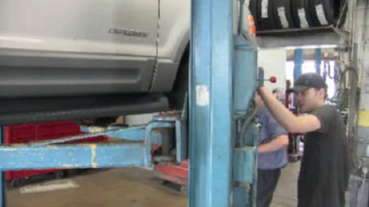 Car repair_34363392