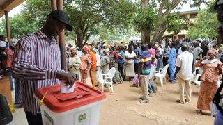 Nigerians get ready for election day (again)