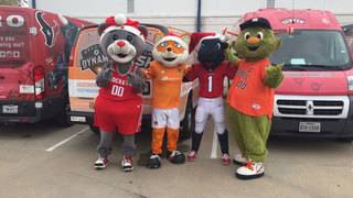 Houston sports mascots come together for the holidays
